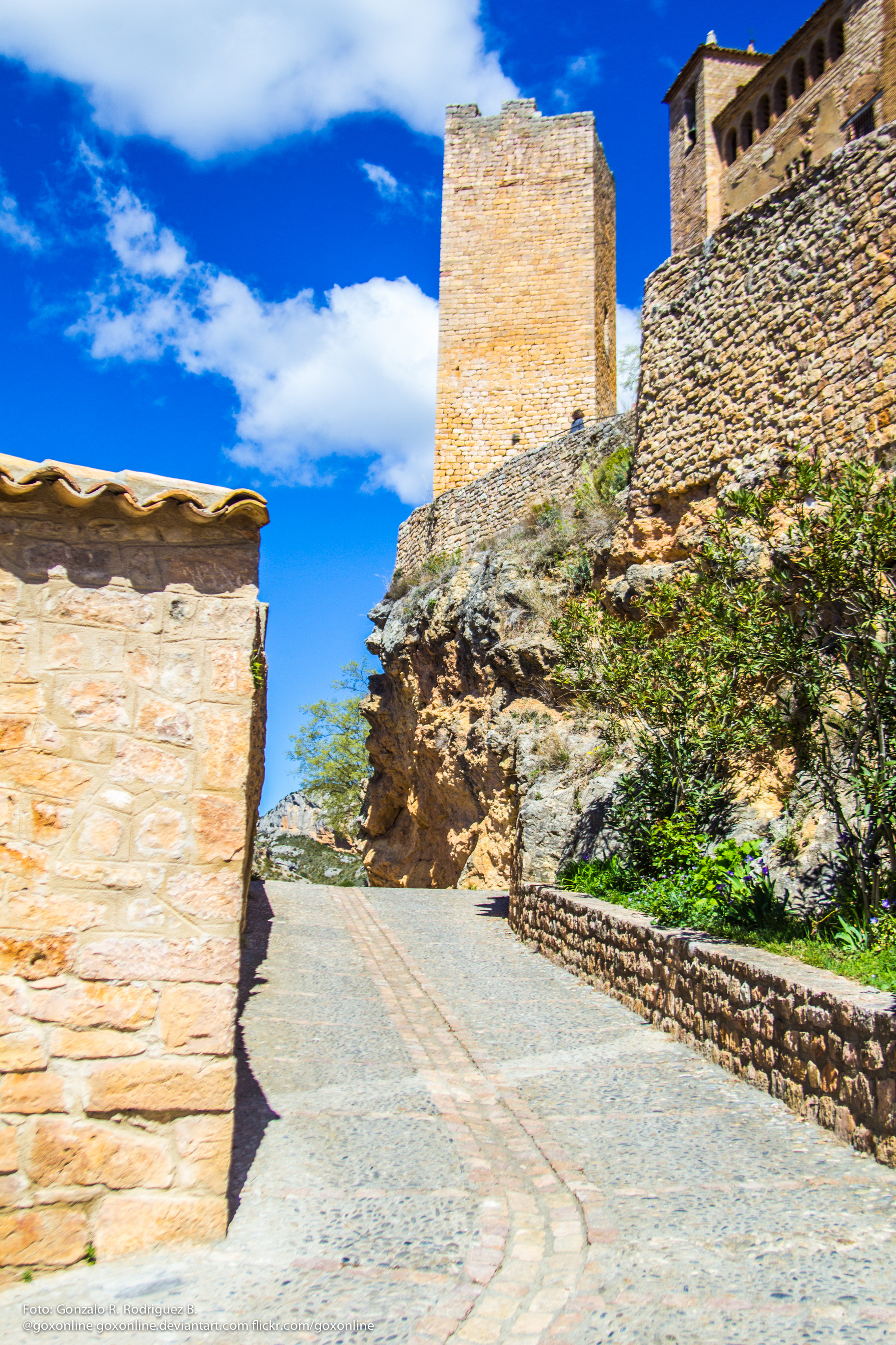 The Medieval Fortress of Alquezar - image: 128543 - imgth